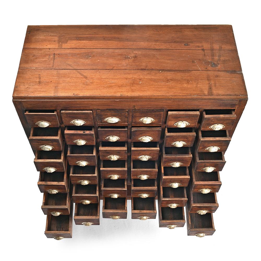 meuble d apothicaire a 36 tiroirs mes decouvertes julien cohen officiel