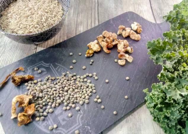 riz lentilles kale girolles noix pour preparer une poelee vegetarienne express en quelques minutes