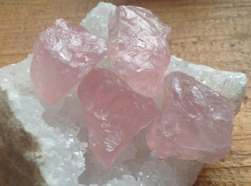 quartz rose brut de Madagascar