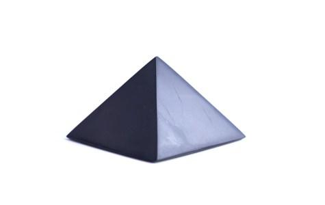 šungitová pyramída 7x7