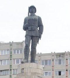 Reabilitarea monumentului Ostaşului Român din Sfântu Gheorghe va costa peste 170.000 de lei