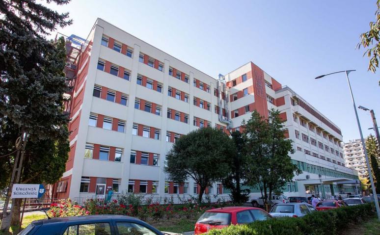 Toate locurile la ATI, ocupate; un pacient vaccinat, în stare gravă; bebeluş de 2 luni, suspect de COVID