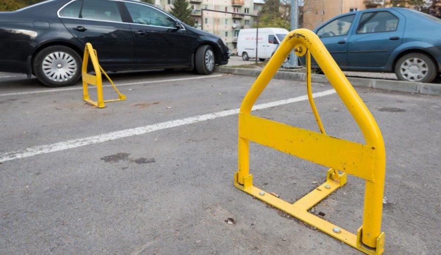 Precizări privind prelungirea abonamentelor de parcare rezidenţială