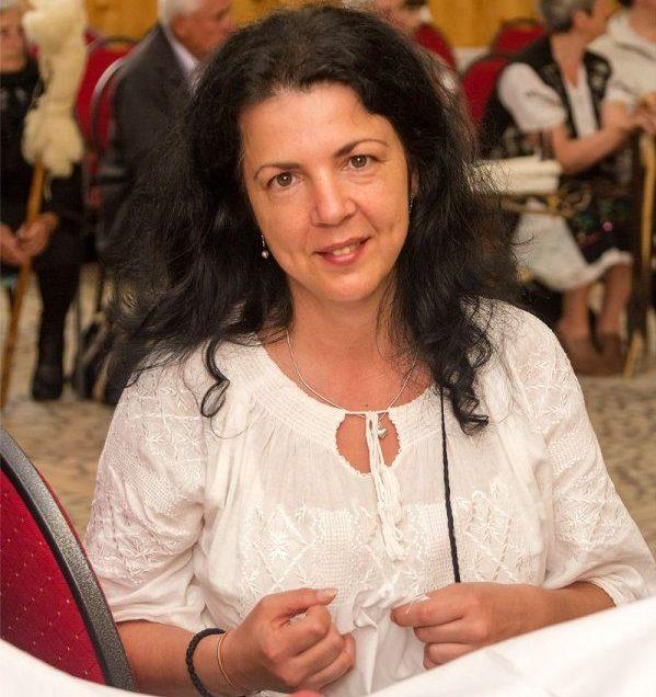 """FLORENTINA TEACĂ, ambasadoarea județului Covasna la  Festivalul Național Concurs """"Regina Sânzienelor"""" din Bucovina"""