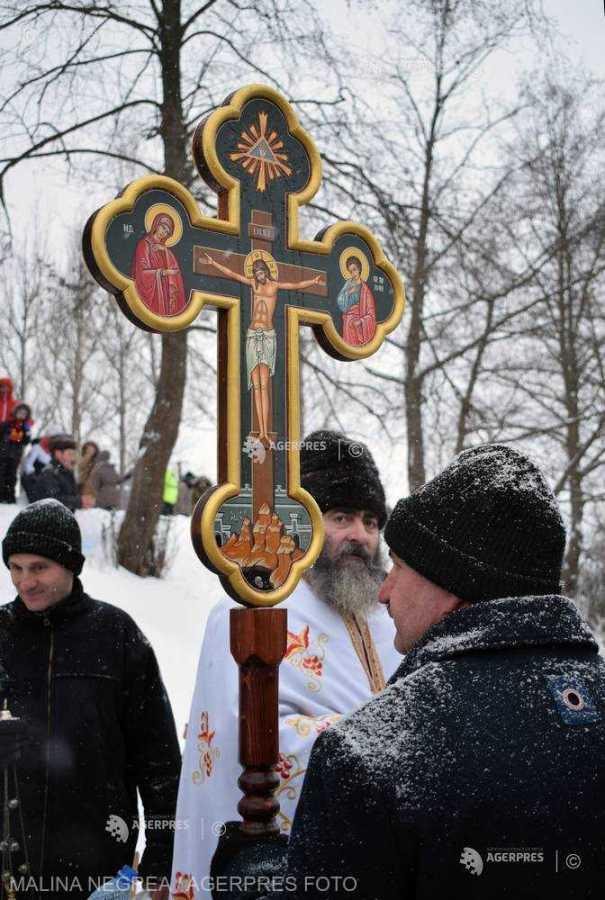 Râul Buzău va fi sfinţit de Bobotează la Întorsura Buzăului; ceremonia, urmată de botezul cailor