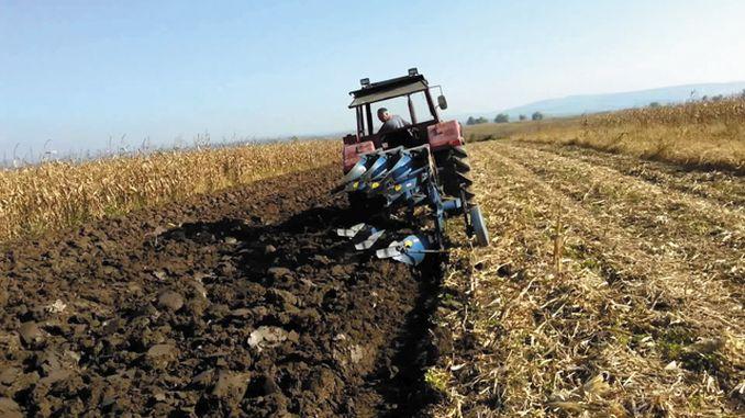 APIA: Cererile de plată pentru subvenţionarea motorinei utilizate în agricultură, pe trimestrul IV, se depun până la 1 februarie