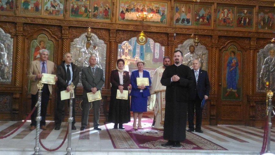 """Forumul Civic a desemnat persoanele care vor primi titlul de """"Cetăţean de onoare al comunităţii româneşti"""