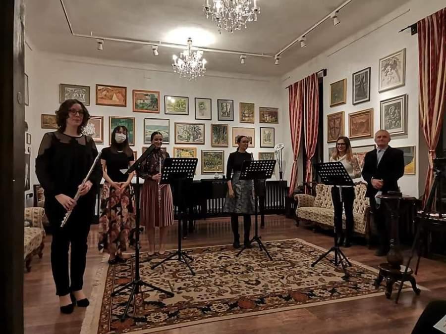Recital instrumental susținut de studenții Facultății de Muzică din Brașov ai clasei de flaut și de muzică de cameră, mâine, la Centrul de Cultură Arcuș