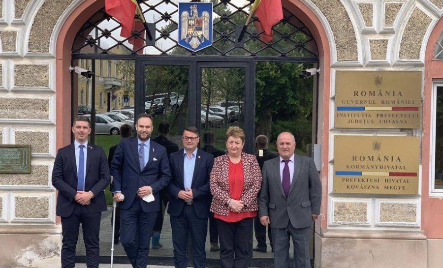 Vizită a unei delegații a Companiei Naționale Poșta Română, la Prefectura Covasna