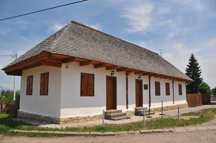 Prima Școală Românească din Sfântu Gheorghe la zi aniversară  222 de ani de la începerea construcției școlii românești și 10 ani de la deschiderea oficială a punctului muzeal