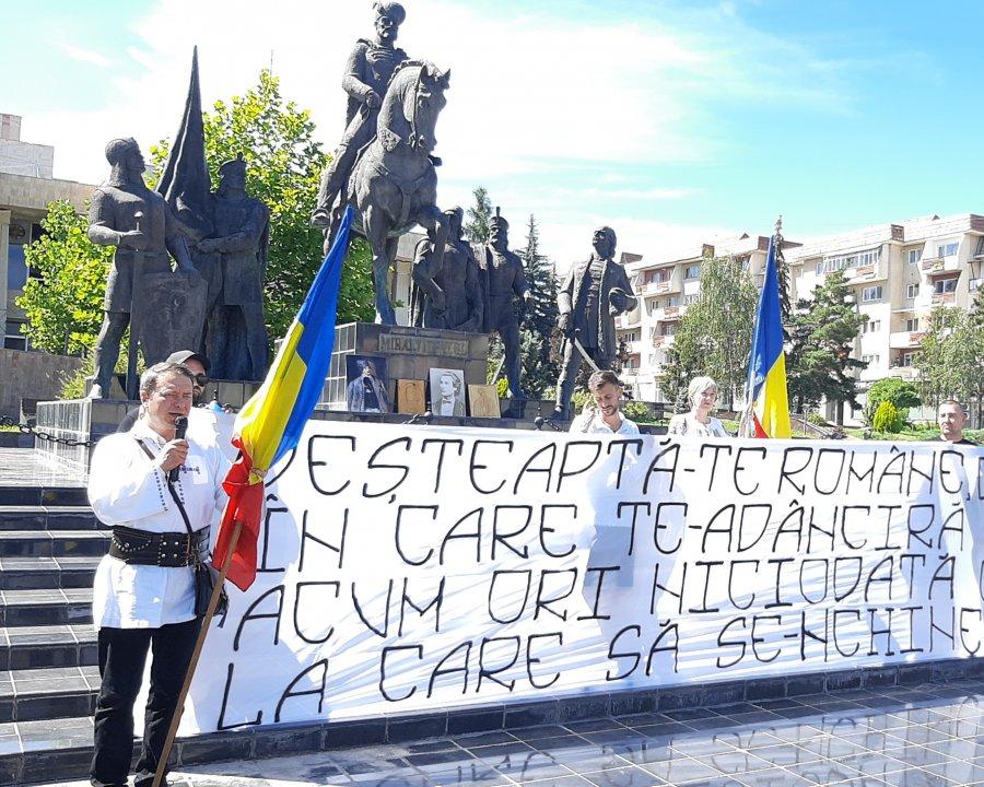 Tratatul de la Trianon - comemorat de comunitatea maghiară, sărbătorit de români