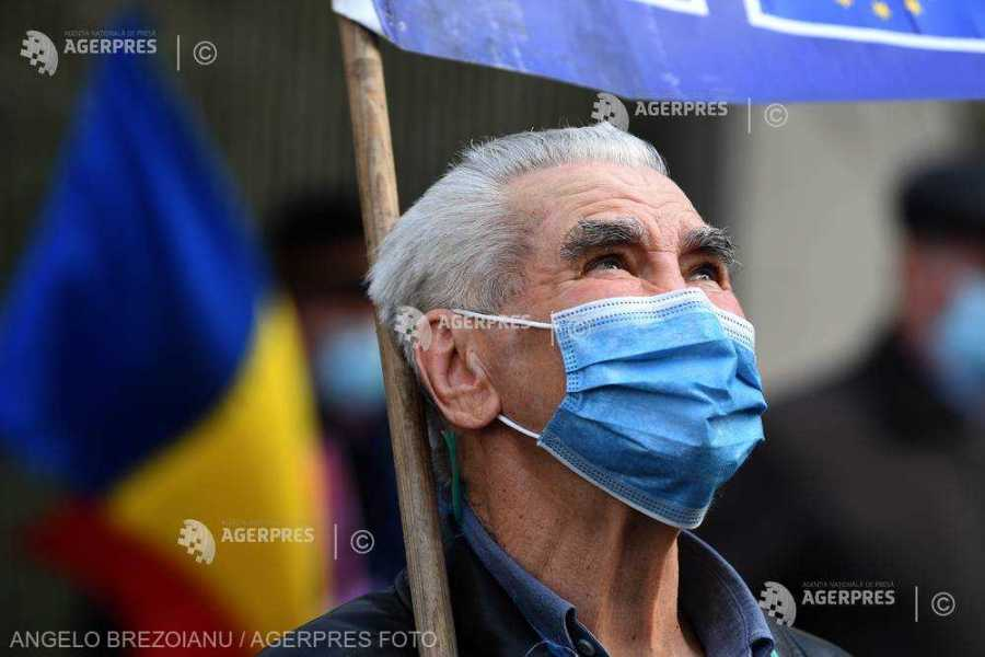 Reprezentanţi ai pensionarilor protestează vineri la Ministerul Muncii, Preşedinţie şi sediul PNL