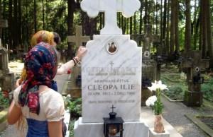 Mormântul Părintelui Cleopa