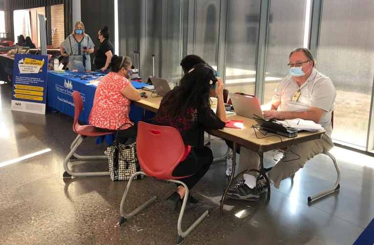 Department of Economic Security visits Mesa Community College to help students in need