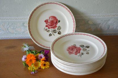 Assiette Badonviller Fenal France, collection Germaine, demi porcelaine