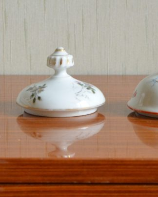 Lot de 5 couvercles en porcelaine à théïères différents