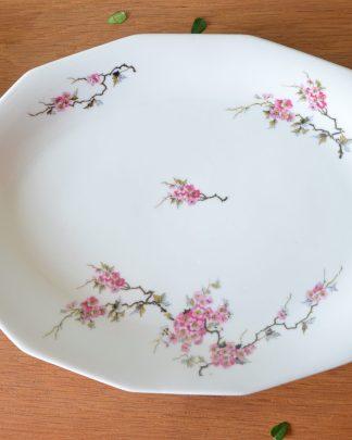 Plat de service dodécagone manufacture de Limoge, motif aux fleurs de cerisier