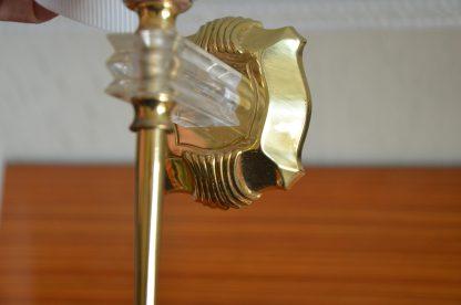 Paire d'applique vintage en plastique et en métal, modèle flamme. Ampoule à douille 240v. Les appliques se branchent sur une prise. Une applique fait 42 cm de haut, 20 cm de large et environ 450 grammes. L'une d'elle n'a pas son fil d'origine. L'un de fil (celui d'origine) est de 110 cm et le fil qui a été changé fait 180 cm.