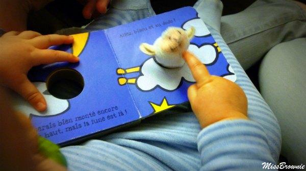 livre-mouton-marionnette-bebe