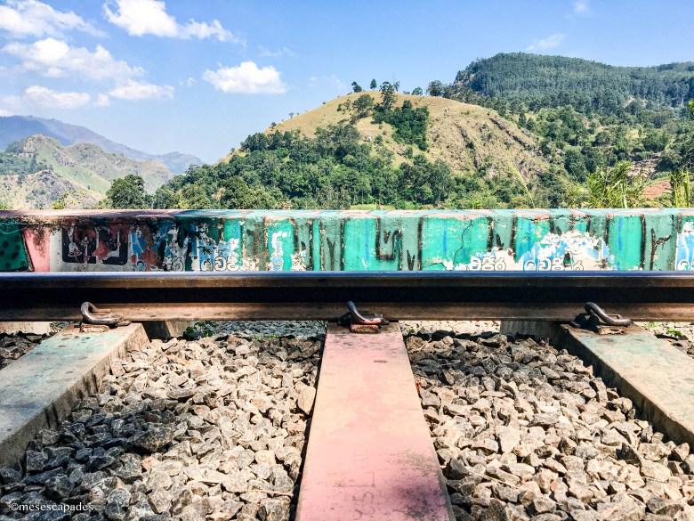 Se balader sur les rails du train à Ella