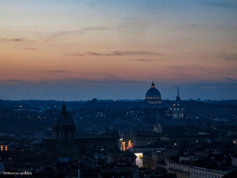 Vue de nuit sur Rome