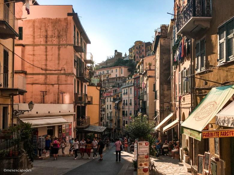 Les ruelles ensoleillées de Riomaggiore