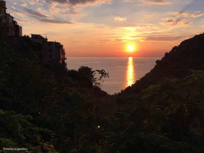 Coucher de soleil entre les falaises de Corniglia