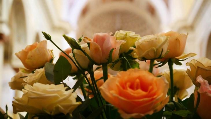 Un bouquet de fleurs situé dans la cathédrale de Trapani.