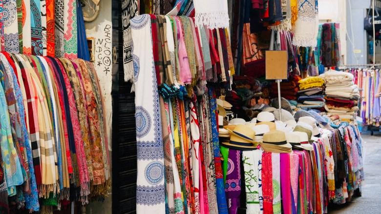 Les boutiques de la Via Maqueda, dans le centre historique de Palerme.