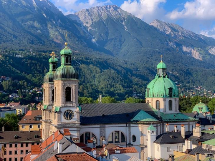 Vue sur l'Eglise Hofkirche depuis la Tour Staddturm