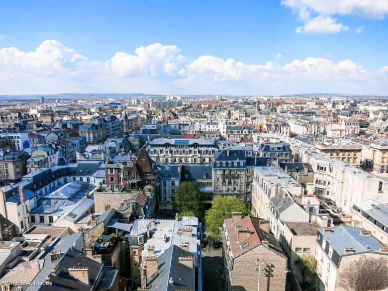 Vue sur les toits de Reims depuis le haut de la cathédrale