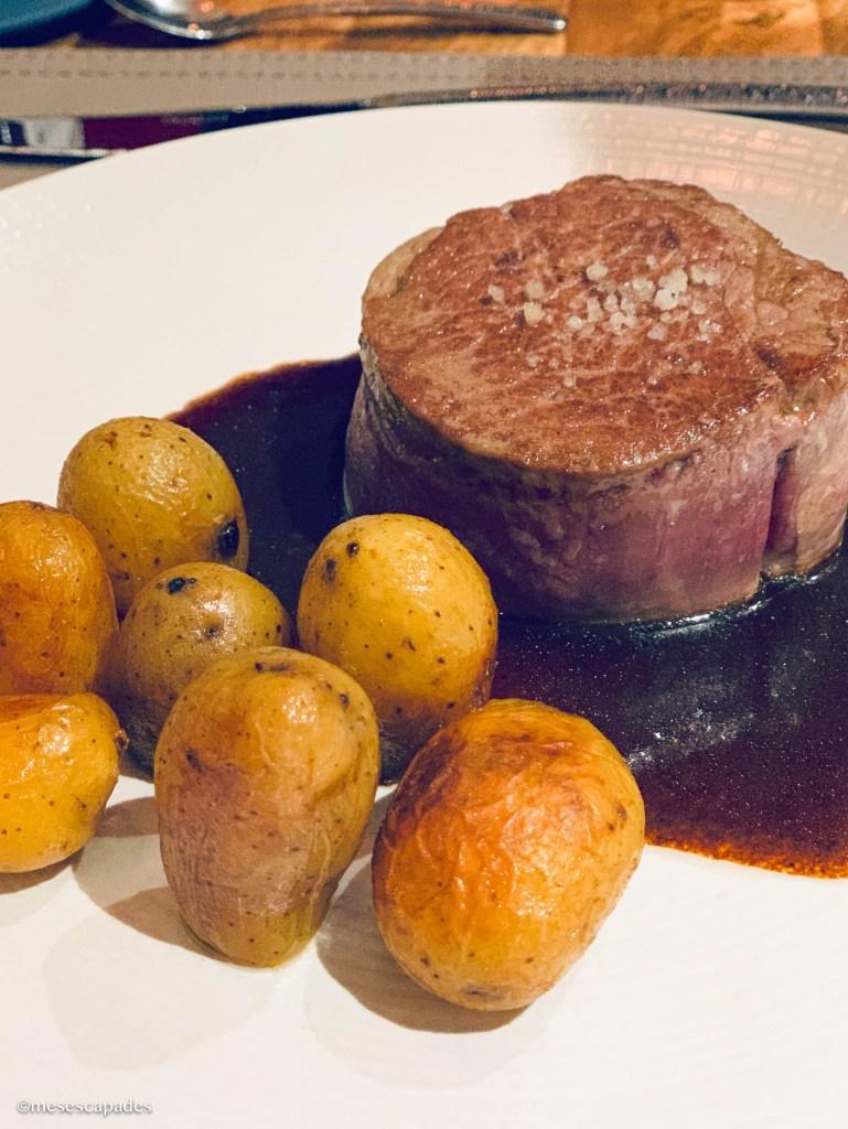 Boeuf et ses pommes rissolées, de chez La Calypso à Cabourg