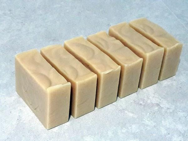 pains de savon L de Miel