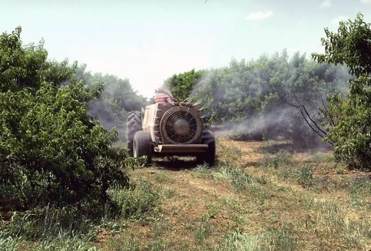 pesticide camion