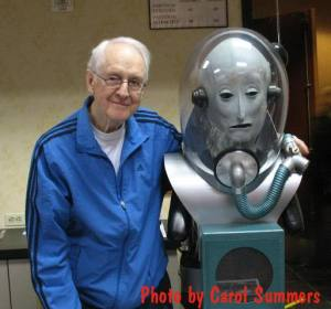 William Schallert at Monsterpalooza convention 2010 with model of creature from The Man From Planet X - Photo provided by Carol Summers.