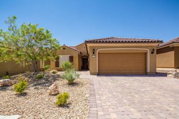 1295 Heritage Trail in Sun City Mesquite, 1571 sq ft, 2/2 + den, beautiful build in wall unit, view of Mesa and South mountains, beautiful upgrades $340,000