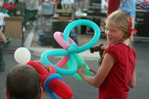 Balloons animals were all the rage with the kids before the fireworks began. Photo by Teri Nehrenz
