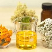 Les huiles végétales sont idéales pour se démaquiller