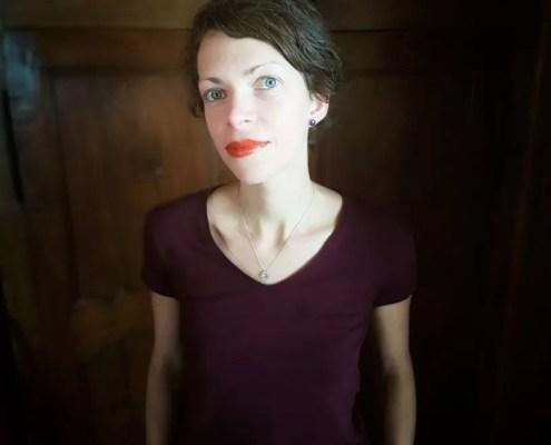 Portrait avec rouge à lèvres mat maison