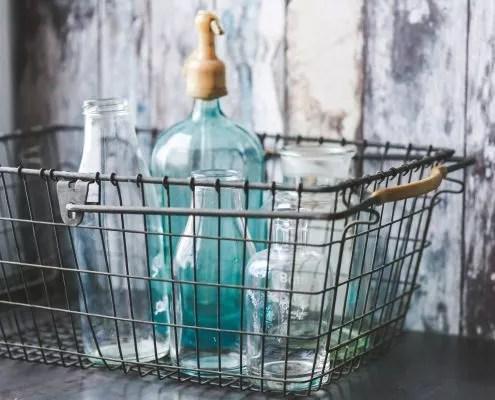 Bocaux vides pour faire ses produits ménagers maison
