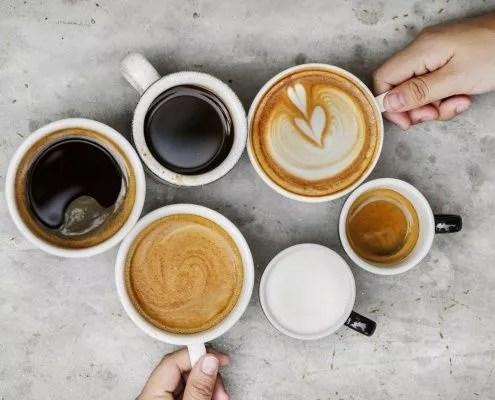 le café déshydrate : préférez l'eau