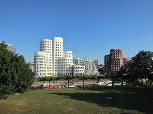 Gehry Buildings / Neuer Zollhof 2