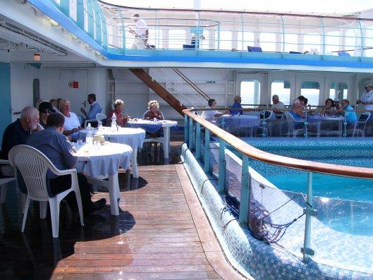Pool and Deck on Maxim Gorkiy