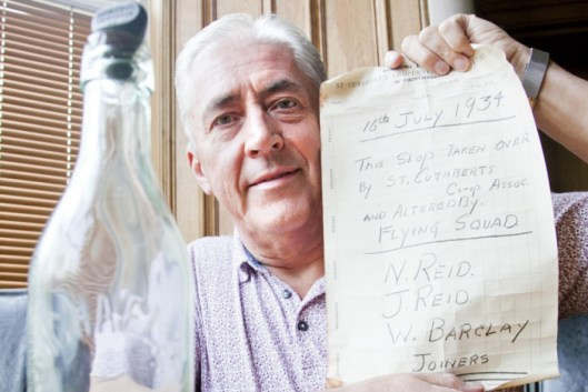 James Barclay with Reid 83 Year Old Message in a Bottle - Edinburgh Evening News