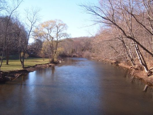 Quinnipiac River from bridge in Meridan