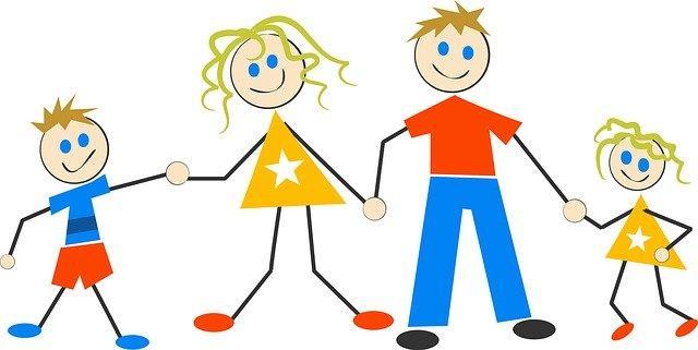 les parents et leurs enfants ensemble