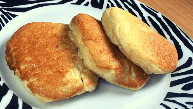 how to make fluffy Japanese pancakee