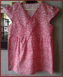 blouse rouge à fleurs 1
