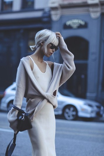 knit-dress-outfits-street-style-201712a28020e192aebe1a0ec9dd6496a439