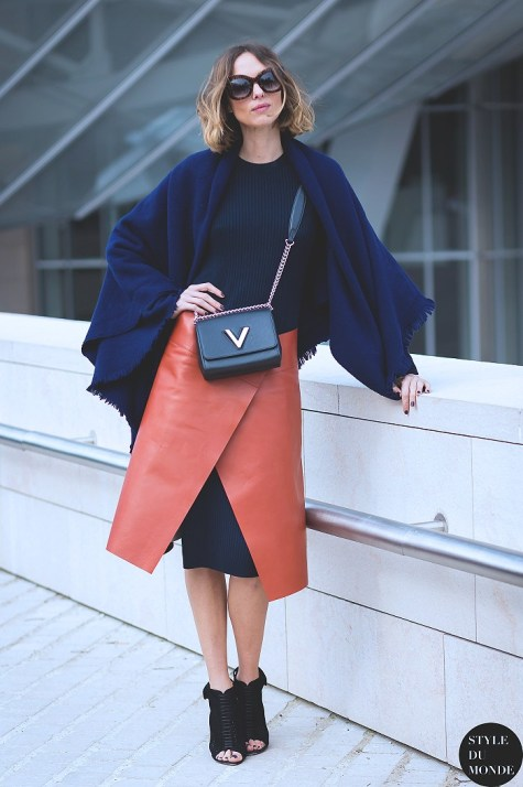 knit-dress-outfits-street-style-2017candela-novembre-by-styledumonde-street-style-fashion-blog_mg_6460-700x1050